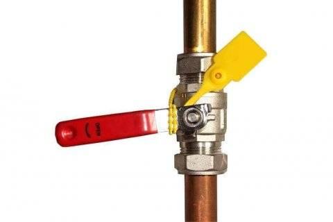 Fire-hose-seal-on-fire-reel